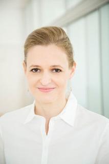 Dr. Lesanka Mickel